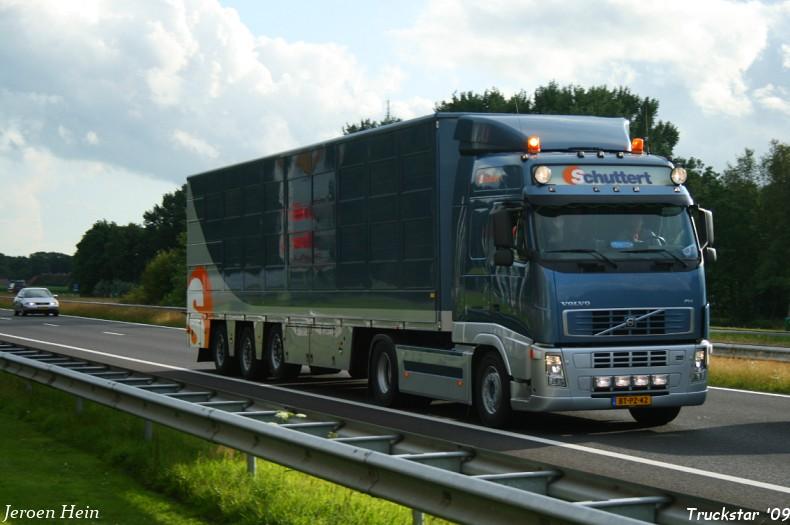 trailer wiel kapot vrachtwagen